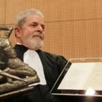 Lula atribui título