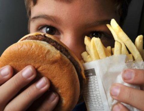 Entidades querem regulamentação da publicidade de alimentos para crianças