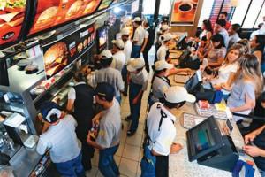 Justiça do Trabalho diz que lanche de 'fast food' não substitui pagamento de tíquete alimentação