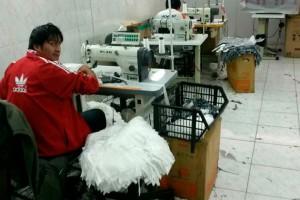Fiscalização flagra trabalho escravo e infantil em marca de roupas de luxo em SP
