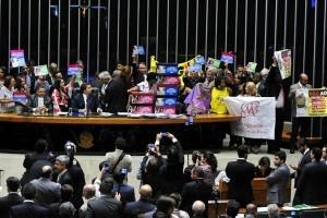 PEC 241 é aprovada em segundo turno na Câmara