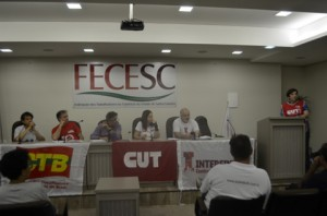 reuniao-sobre-a-greve-geral-no-auditorio-da-fecesc-29