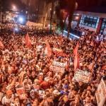Milhares de pessoas estão concentradas no Sindicato dos Metalúrgicos do ABC