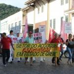 Trabalhadores do Angeloni realizaram protesto em Laguna no feriado de Tiradentes