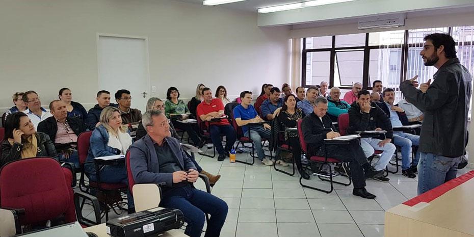 Reunião de diretoria da Fecesc em Florianópolis