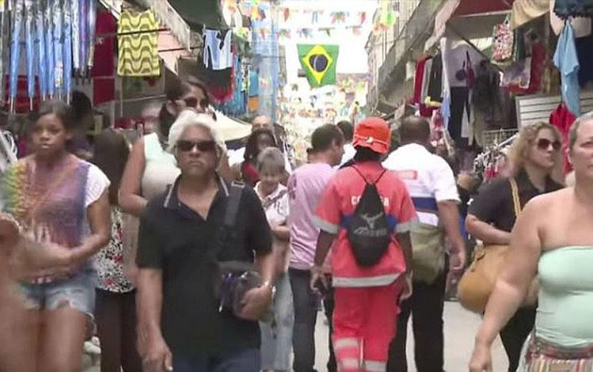 Trabalhadores atingidos pela 'reforma' trabalhista sofrem com 'uberização'