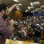 Presença de Boulos em Florianópolis gera grande ato de resistência