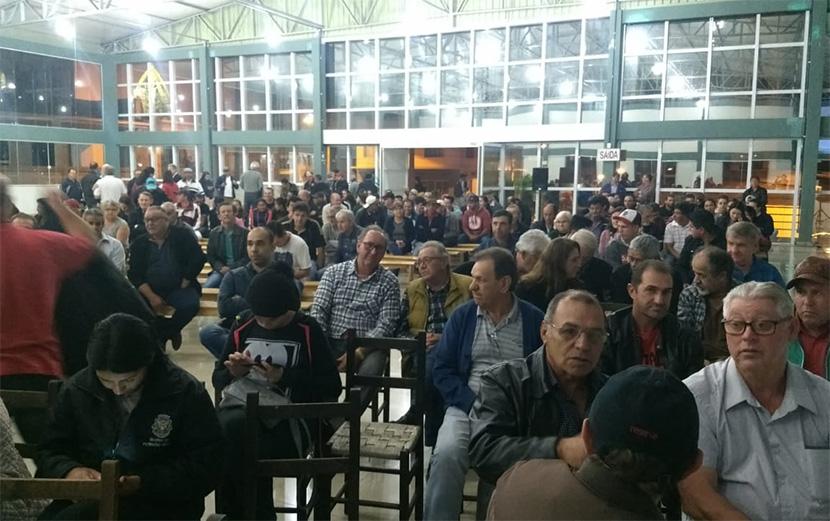 Debate sobre reforma da Previdência reúne cerca de 300 pessoas em Fraiburgo