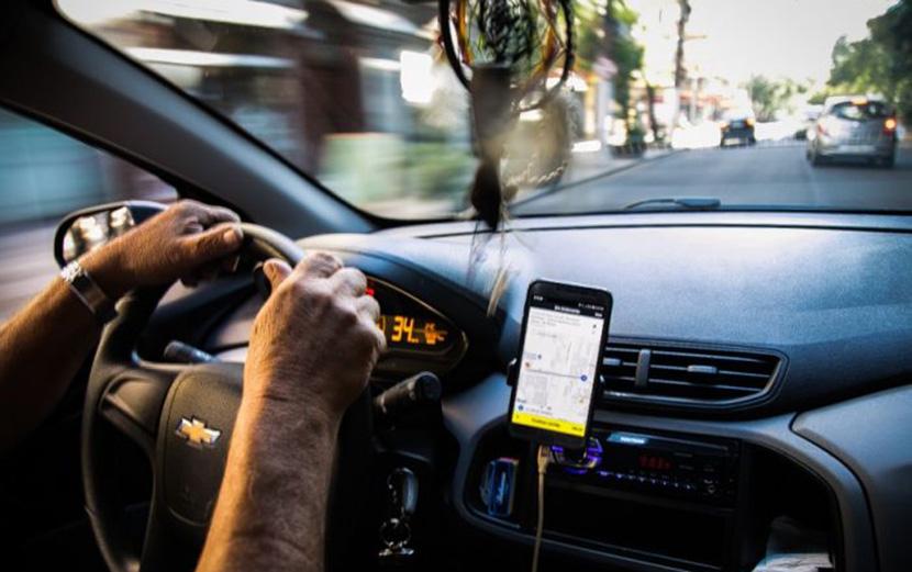 Trabalho na Uber é neofeudal, diz estudo. 'São empreendedores de si mesmo proletarizados'