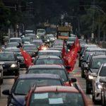 Pela vida, saúde e emprego, carreatas pelo Brasil pedem impeachment de Bolsonaro