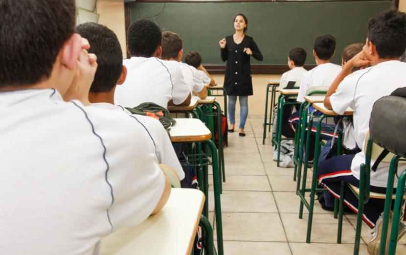 Cortes de R$ 1,6 bi no Orçamento e não regulamentação do Fundeb ameaçam educação