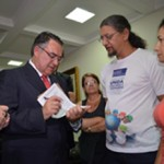 Governador de Santa Catarina diz que vai trabalhar para não pagar o reajuste do piso dos professores