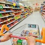 Supermercado indenizará repositor demitido por participar de reunião em sindicato