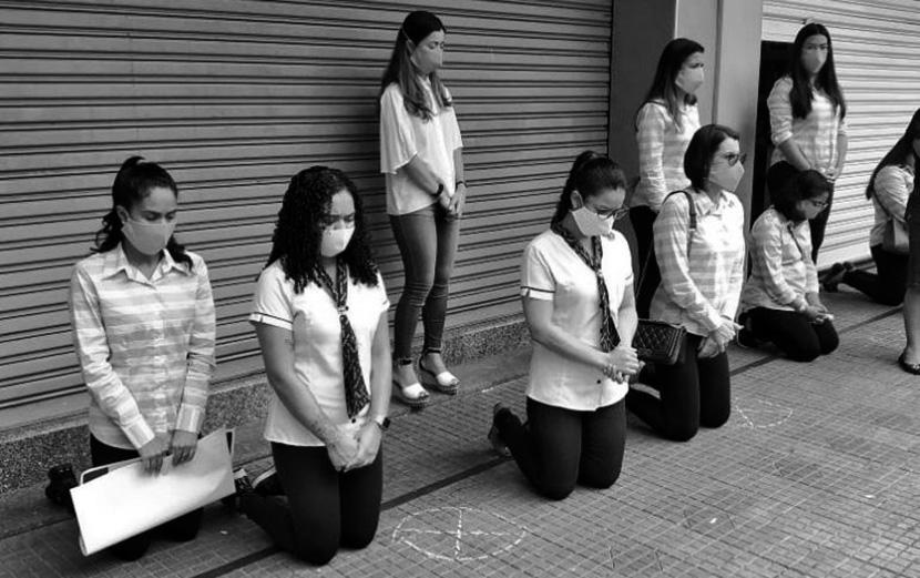 Humilhação – Empresários obrigam trabalhadores a se ajoelhar contra quarentena na PB